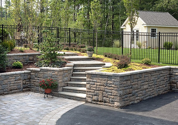 Landscaping wall support stone wall