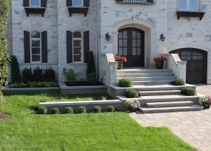 luxueuse maison avec terrassement