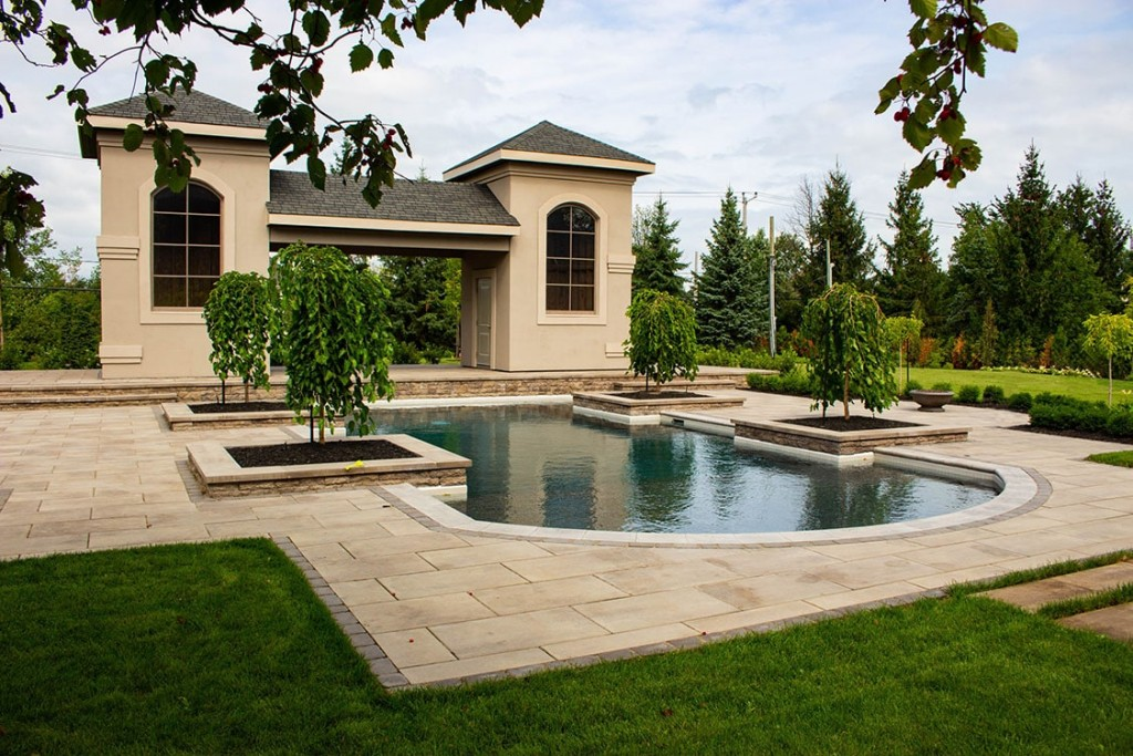 pool terrassement pave