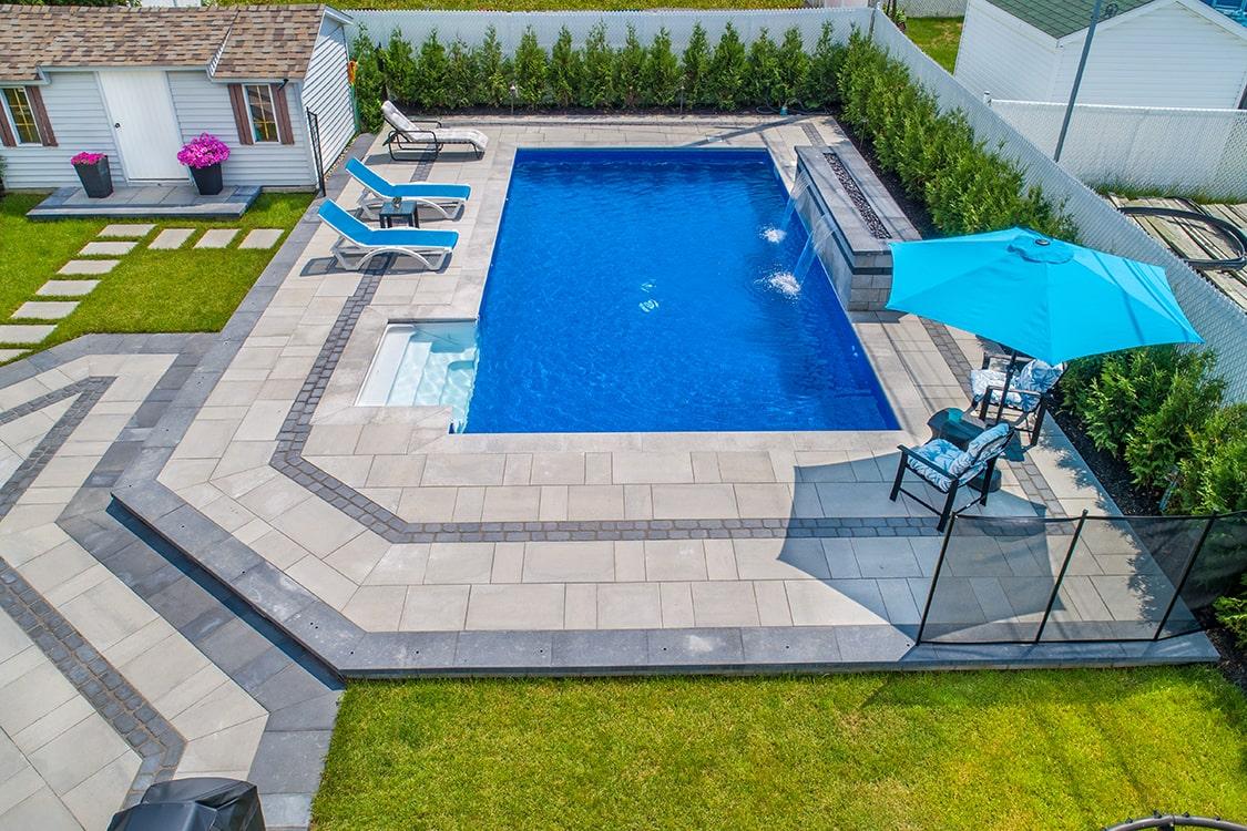 piscine-pave-uni-terrassement